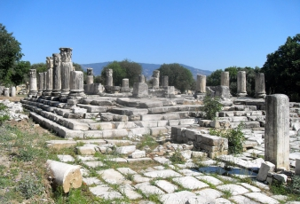 The only temple of Hecate in the world: City of Stratonikeia Lagina sacred place